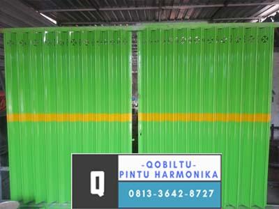 pintu harmonika hijau